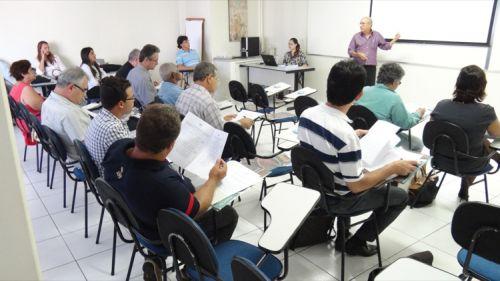 Presidente_CBHSF_ Anivaldo_ Miranda_discursando_membros_CCR_Alto